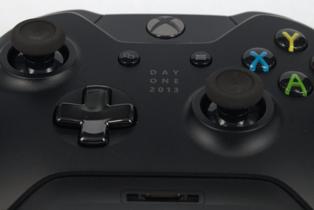 Brand New Limited Edition DAY ONE 2013 Wireless Controller Black for XBOX One